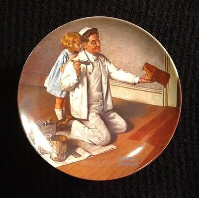 """Norman Rockwell Collector Plate - """"The Painter"""" Edwin Knowles Co. USA"""