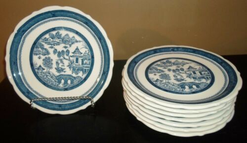 "(8) Syracuse Chine Restaurant Ware BLUE WILLOW 9 1/4"" Dinner / Luncheon Plates"