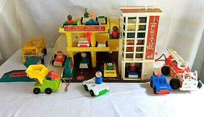 Vintage Fisher Price Parking Ramp Service Center Garage 1970 + Accessories #930