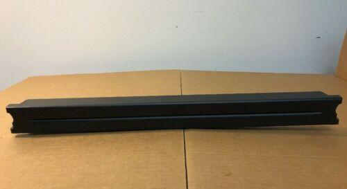 APC 1U Black Plastic Server Rack Blank Filler Panel Blanking Panel Tool-less