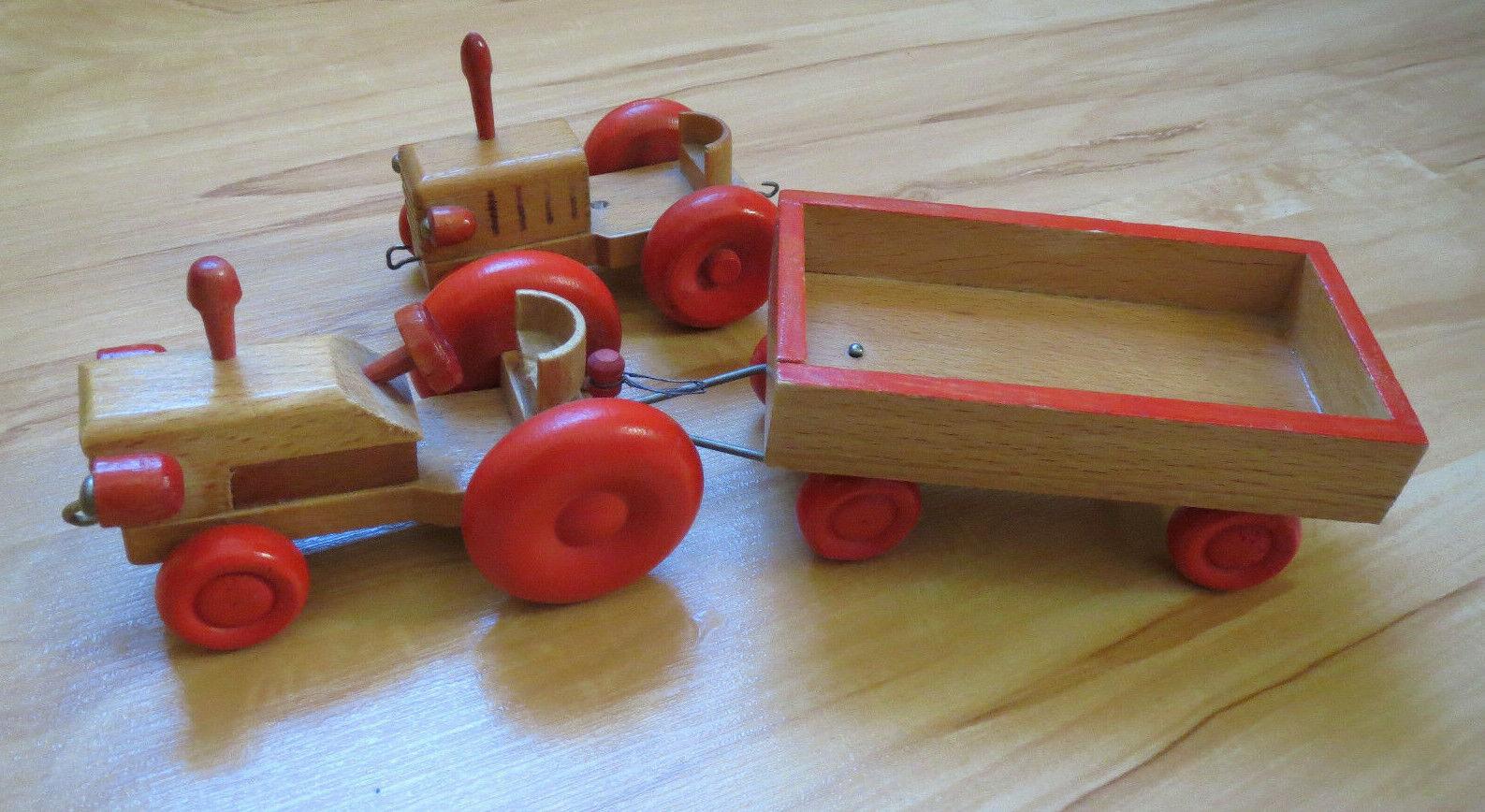 Holzspielzeug Traktor mit Anhänger 70er Jahre