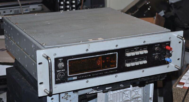 JOHN FLUKE MODEL 8400/FM DIGITAL VOLTMETER GOVERMENT SURPLUS VINTAGE