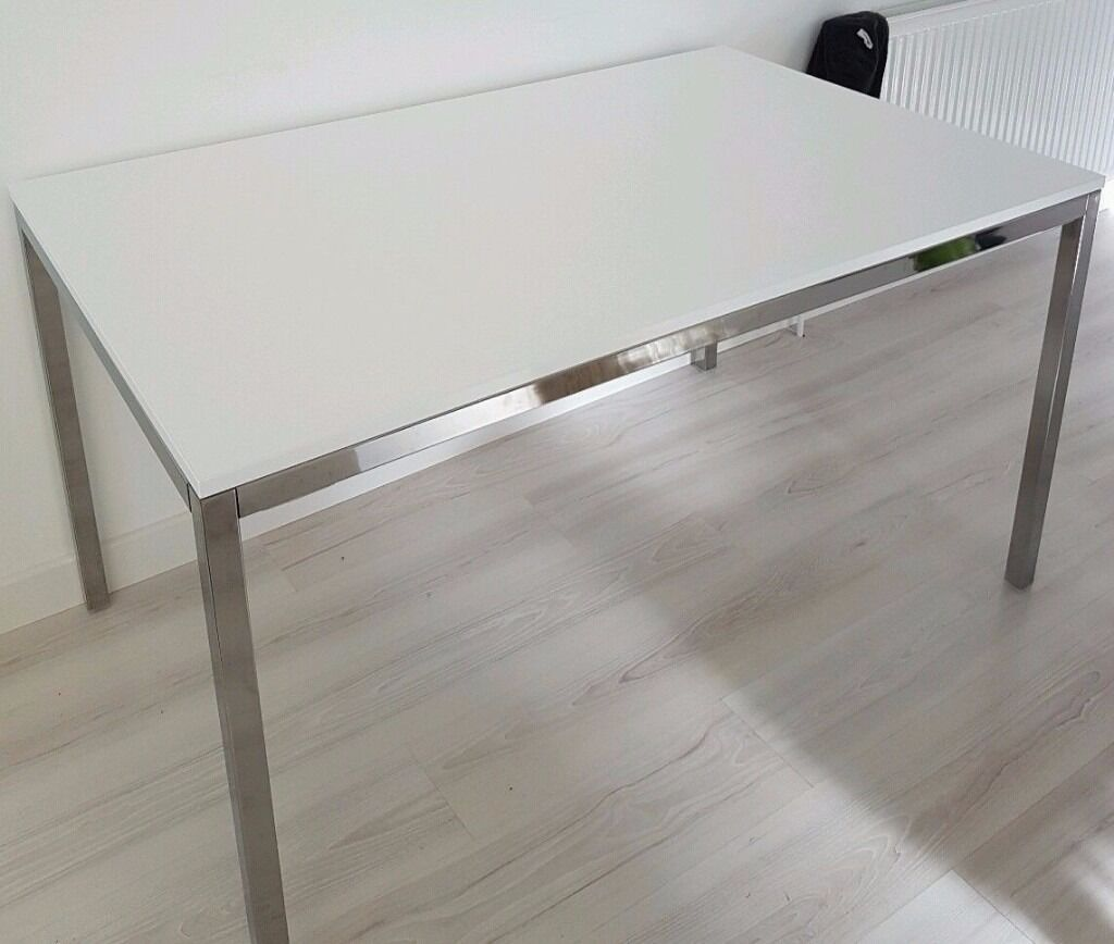Dining Table White High Gloss Top And Chrome Legs 135x85cm