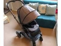 Oyster 2 Pram with carrycot in City Grey