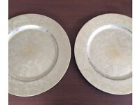 Pair of brand new unused patterned metallic effect plate chargers