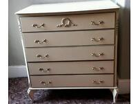 Decorative white chest of drawers