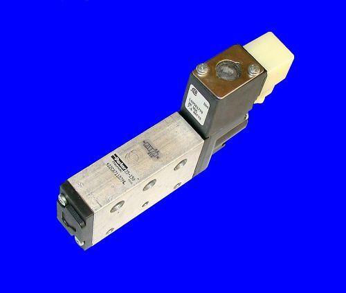 2 NEW PARKER SOLENOID VALVES 24 VDC  MODEL 422CA711D79