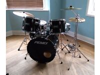Full Peavey International Series II Drum Kit (5 piece) with Additional Cymbal and Stand