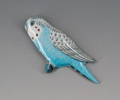1 x Vogel Anstecker aus Blech Aufdruck JAPAN wohl um 1955
