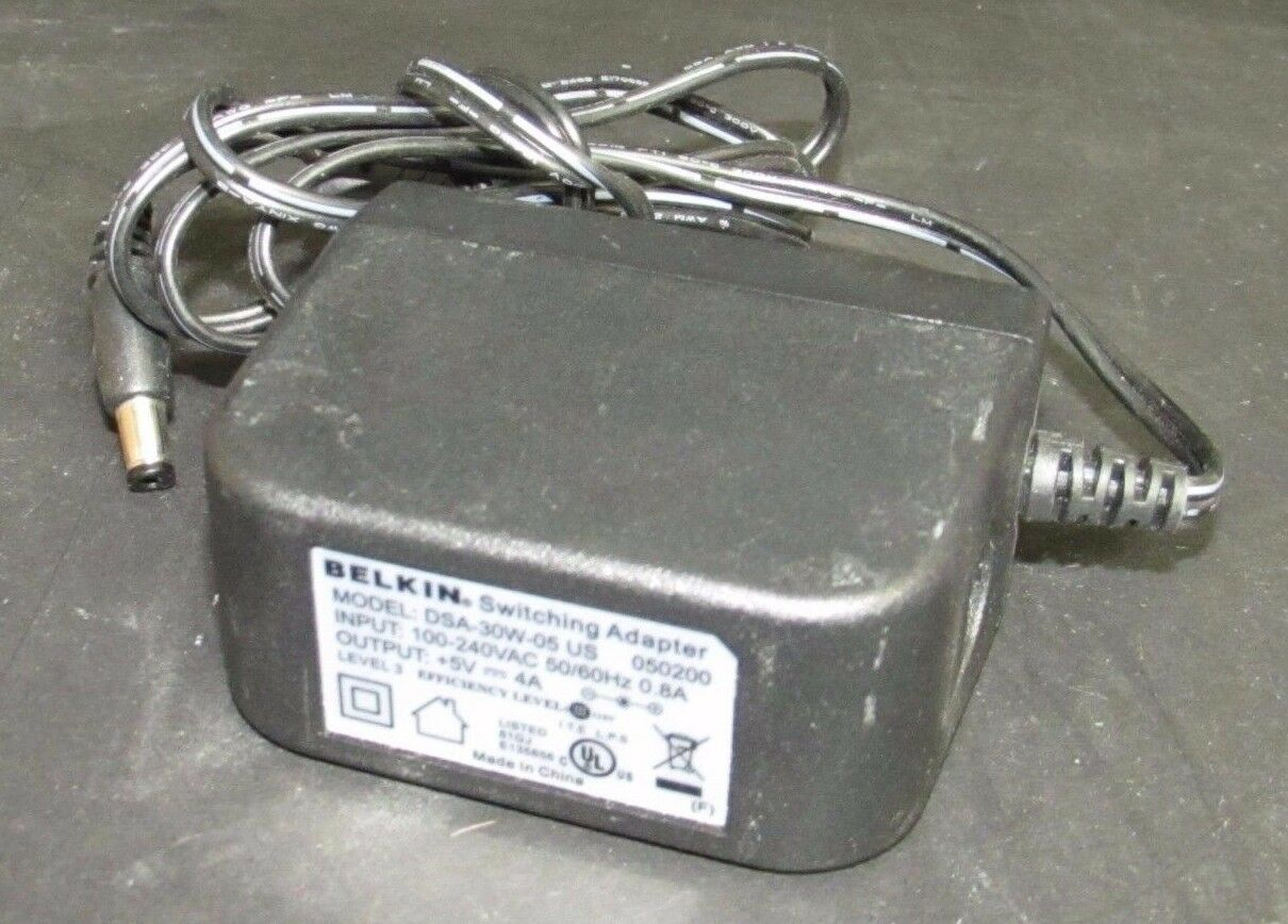 Belkin Switching Adapter DSA-30W-05 US