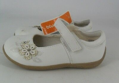 Bluezoo White Flower Embroided Shoe with Crepe Sole UK 9 EU 27 JS087 GG 14