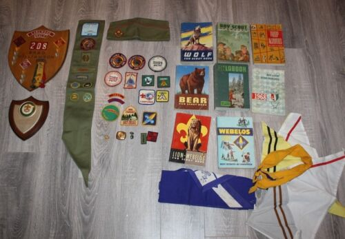 LOT OFBOY SCOUT , Cub Scouts Awards, Books Etc  1960
