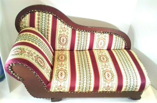"American Heirloom Collection Chase Lounge Fainting couch fits 18"" dolls"