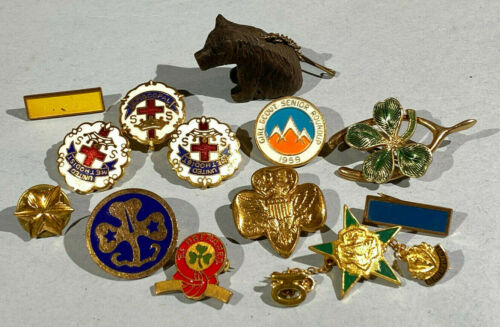 Vintage Girl Scout Pins Carved Bear Clover Enamel Episcopal Methodist Pin Lot