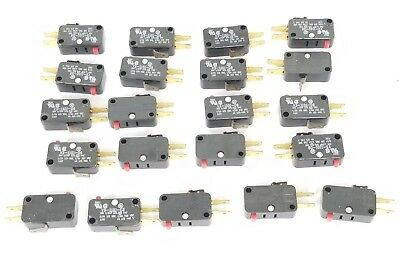 Lot Of 21 Micro Switch V3-1101-d8 Miniature Limit Switches V31101d8