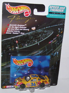 1999-Hot-Wheels-Racing-M-amp-M-039-s-36-Speed-amp-Thunder-Edition-Nascar-Car-With-Card