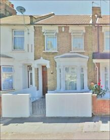 4 bedroom house for sale in Manor park