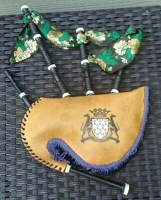 Vintage Bretagne decorative miniature Bag pipes Scotland Coat of arms Rare