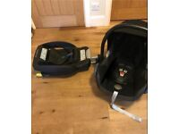 Maxi Cosi Cabriofix car seat with ISOFIX base and newborn insert