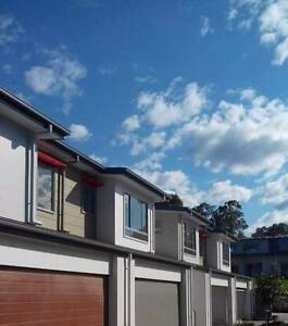 $460/week  3 bedrooms brand-new townhouse Pacific Pines Gold Coast City Preview