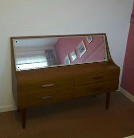 Vintage/Retro Dressing Table (DRESSING TABLE NO LONGER AVAILABLE - WARDROBE STILL AVAILABLE)