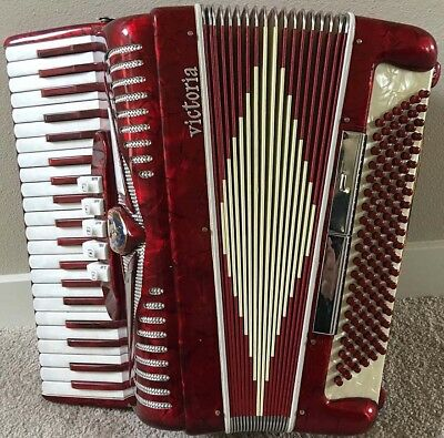 Victoria Accordion, Musette Tuning, Excellent Condition