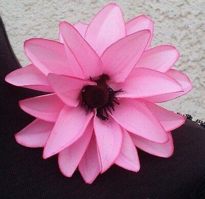 PINK FLOWER HAIR CLIP FOR MEXICAN FIESTA, 5 DE MAYO,WEDDING. - Fiesta Hair