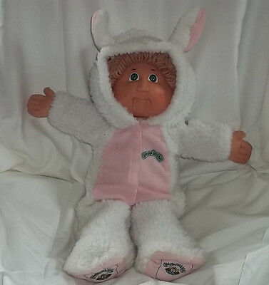 CABBAGE PATCH KID 1982 GIRL TAN HAIR GREEN EYES VTG CPK BUNNY OUTFIT