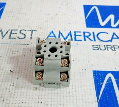 SQUARE D 8501 NR52 RELAY SOCKET BASE 10AMP 300V