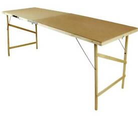 Decorating table