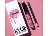 Kylie Jenner lip kit smile new