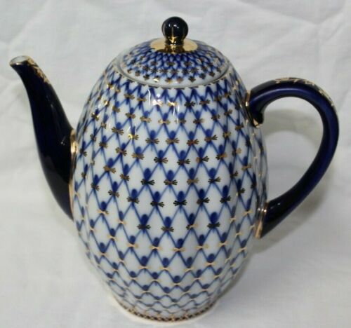 St. Petersburg Russia Russian Lomonosov 1744 Cobalt & White Net Coffee Pot MINT