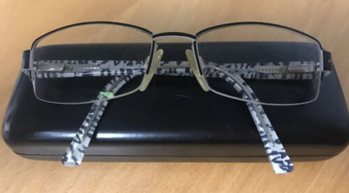 Brillengestell MARCCAIN Mod.8088 SW Damen schwarz weiß Trends and More eyewear