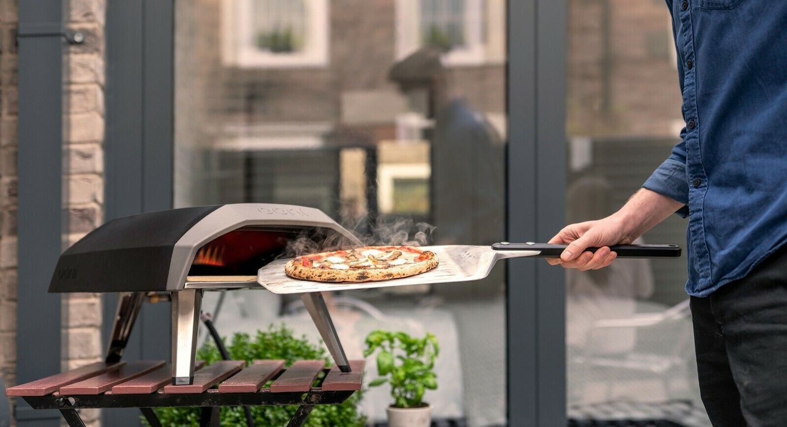 OONI Koda Gas Pizza Oven- Easy To Use Cooks Pizza In 60 Seco