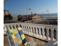 Holiday home with fabulous seafront location in Costa Blanca resort of Guardamar del Segura