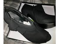 Lovely black open toe shoes