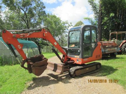 3.3 Tonne Bobcat Excavator