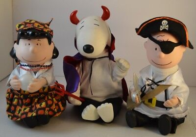 Set Of 3 Halloween Charlie Brown, Snoopy, And Lucy Collectible Figures (Charlie Brown And Lucy Halloween)