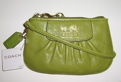 New NWT Coach Madison Grass Green Leather Wristlet Purse 41977 VERY RARE!!