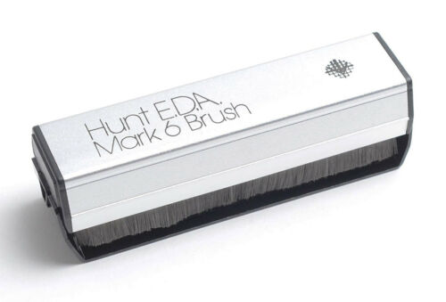 Music Hall Hunt E.D.A. Mark 6 Carbon Fiber Record Brush