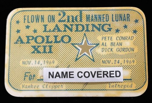 APOLLO 12 FLOWN & CARRIED TO MOON GOLD STAR PRESENTATION CARD