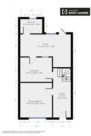 Double bedroom in quiet neighbourhood (Edmonton Green)