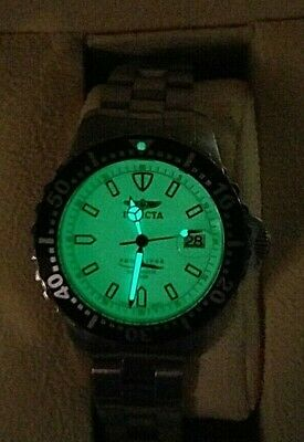 INVICTA AUTOMATIC FULL LUMINOUS DIAL