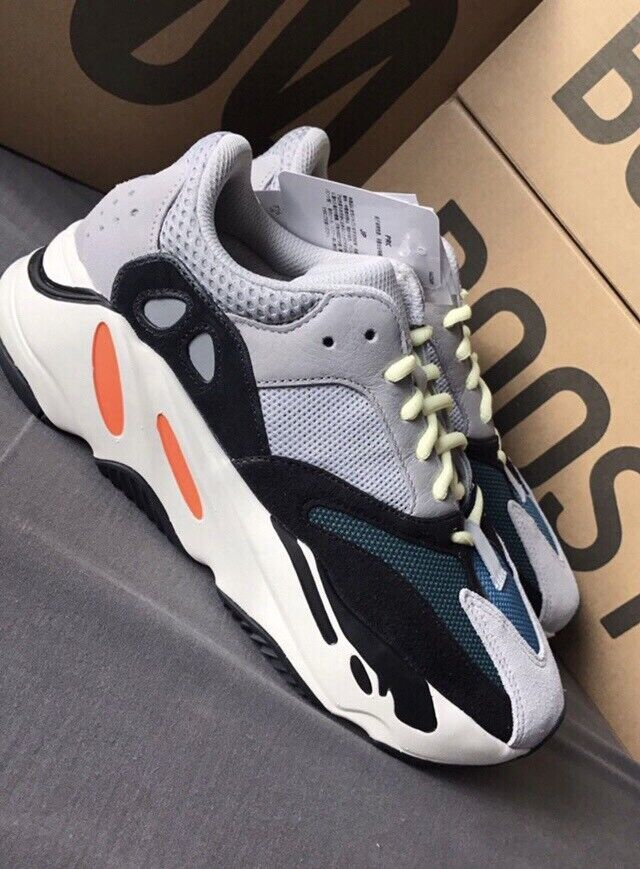 """02540a933a845 Yeezy Boost 700 """"Wave Runner"""" UK size 7"""