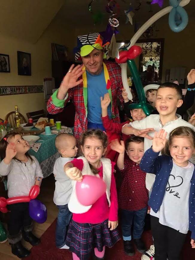 MAGICIAN CLOWN Children's Party Entertainer SPIDERMAN Mickey