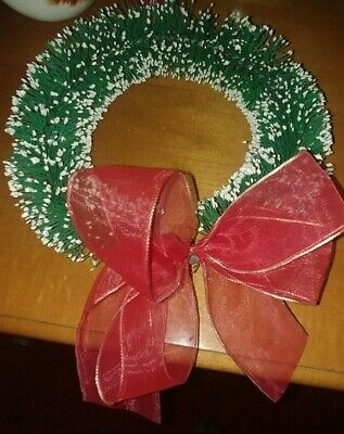 "NEAT APP 7"" BOTTLE BRUSH GREEN SNOW FLAKES CHRISTMAS WREATH RED RIBBON"