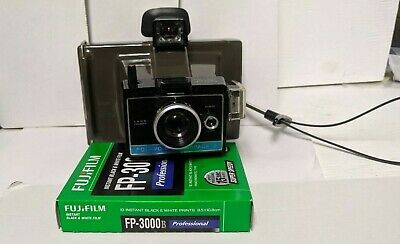 Vintage/used/untested Polaroid Colorpack II and 1 pack of FUJIFILM black and (Uses Of Polaroids)