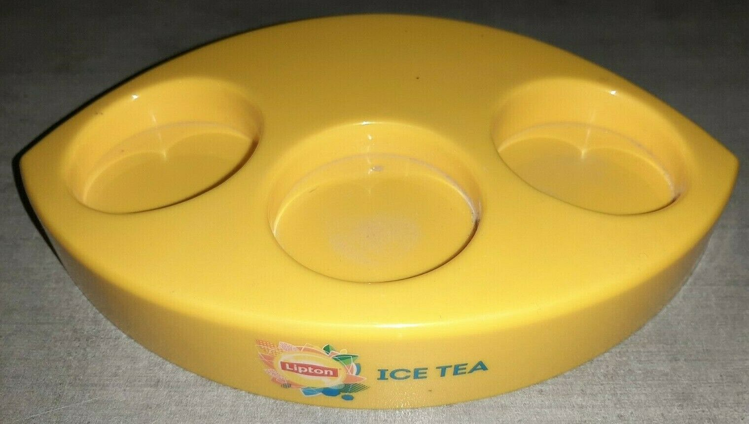 Range gobelet / verre publicitaire marque lipton ice tea 3 verres