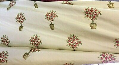 Jacquard Fabric Shade (PERFECT for any room.Vanilla shade jacquard, woven red/green design £28 for 2 Mt )