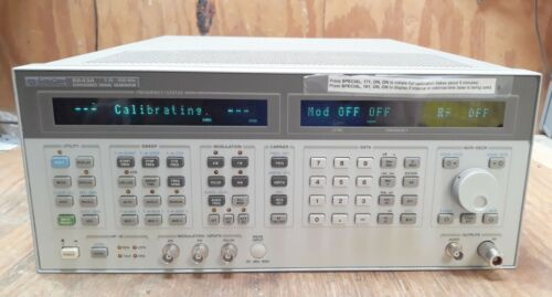 HP 8643A SYNTHESIZED SIGNAL GENERATOR 0.26-2060MHz OPT: 001